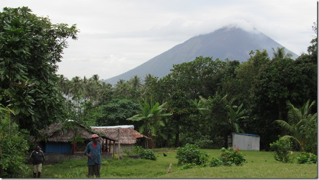 Lulep village, Lopevi volcano